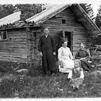 The fisherman's cabin of Maja Sjöberg in the village of Österö, Maxmo, in 1926.   Photographer: Erik Hägglund.  Archive collection: The Society of Swedish Literature in Finland (SLS), sls.finna.fi SLS 865 B 134